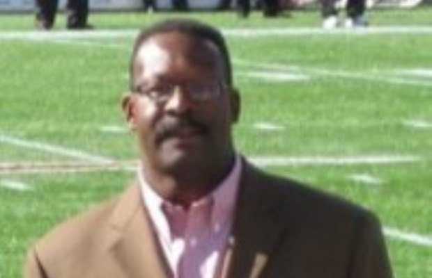Patriots Hall of Famer Andre Tippett joins Blake & Eva