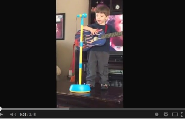 """Three year-old channels Phillip Phillips' singing """"Raging Fire"""""""